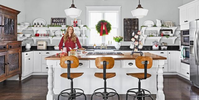 20 Christmas Kitchen Decorating Ideas To Bring Cheer into Your Home