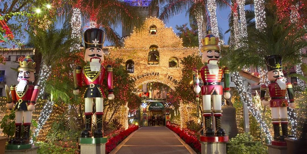 35 Best Christmas Light Displays in America - Holiday Light Shows Near Me
