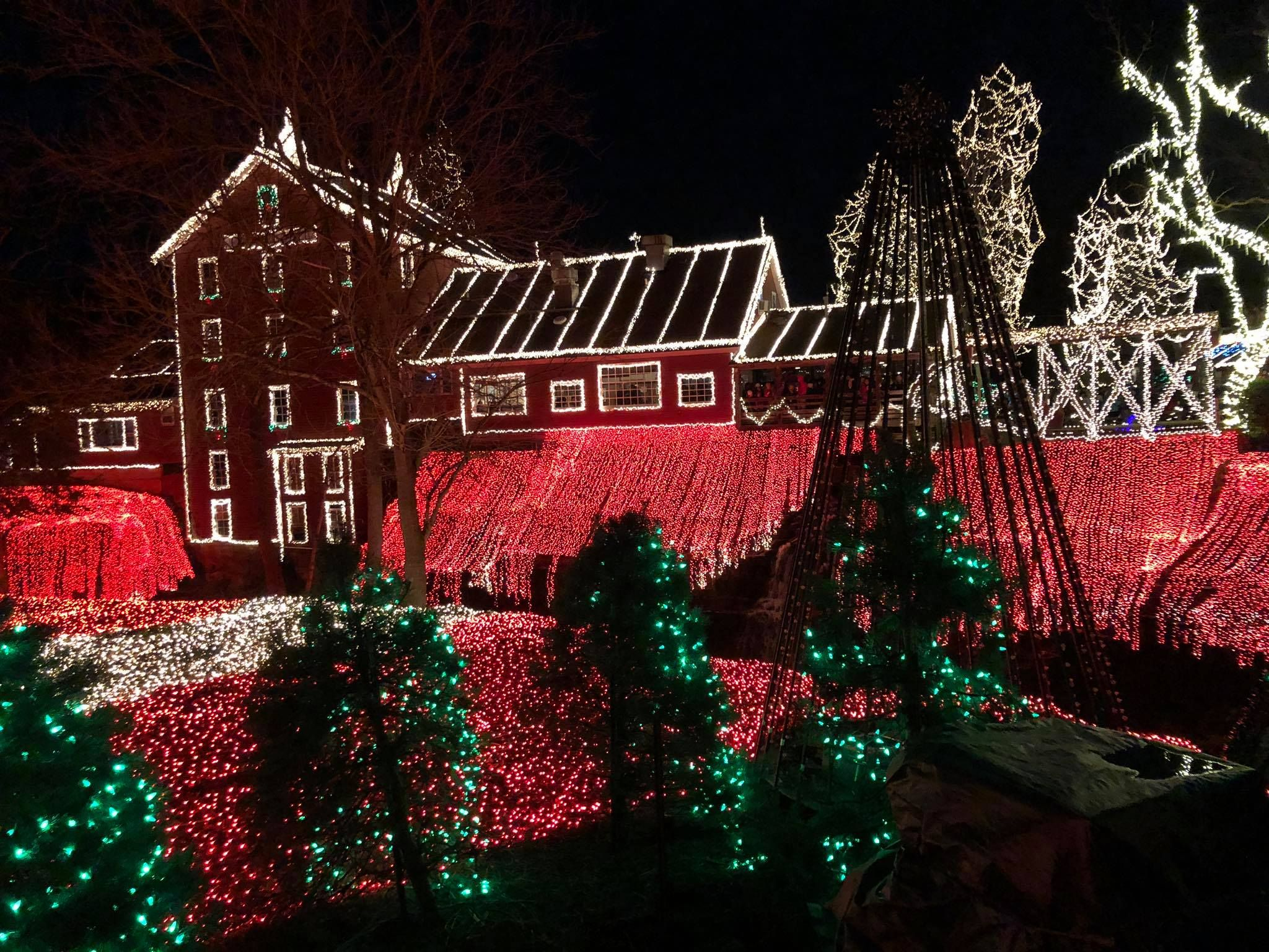 Clifton Mill Christmas Lights.25 Bbest Christmas Light Displays In America Holiday Light