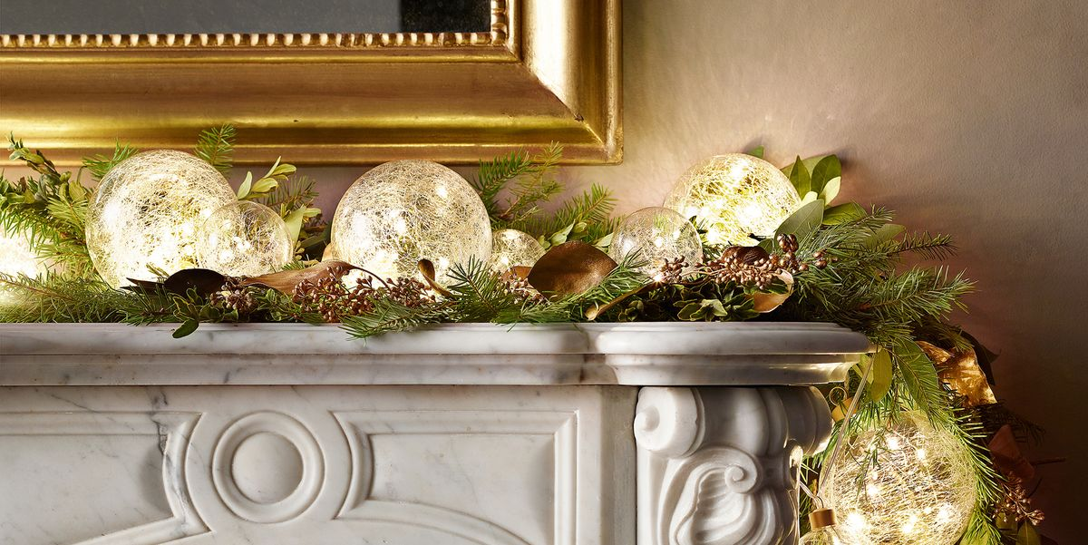 Best Christmas Light Ideas For Small Spaces How To Decorate With Christmas Lights
