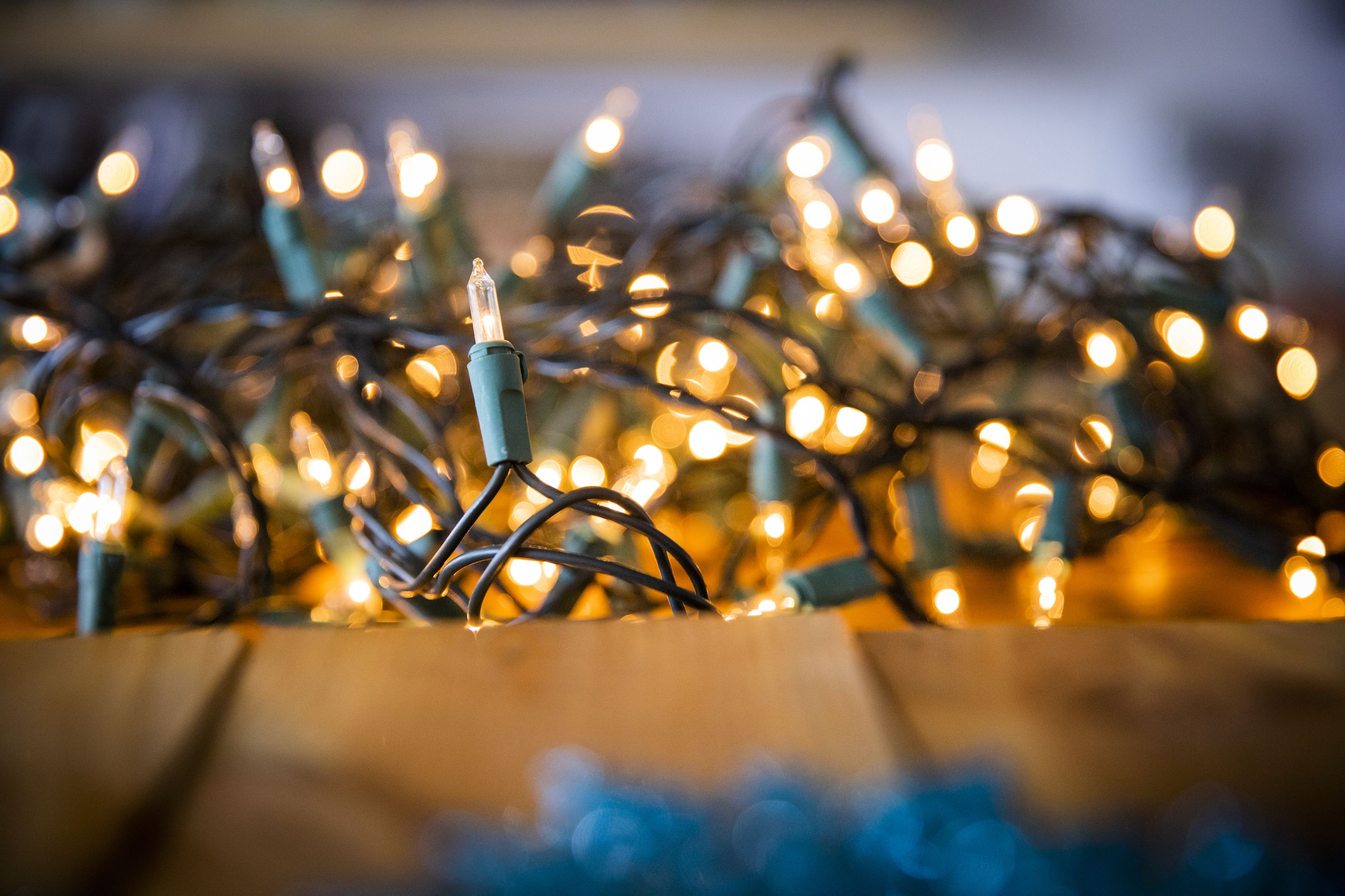 7 simple tricks to keep your Christmas lights untangled