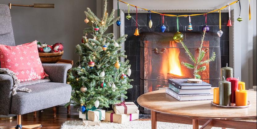 32 Stylish And Cozy Christmas Living Room Decor Ideas