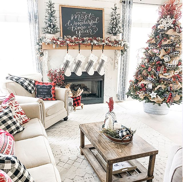 37 Stunning Christmas Dining Room Décor Ideas: 25 Stylish And Cozy Christmas Living Room Decor Ideas