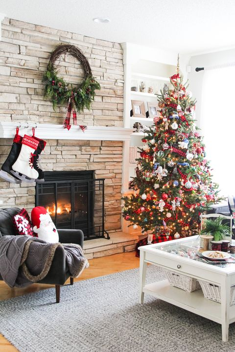 25 Stylish and Cozy Christmas Living Room Decor Ideas