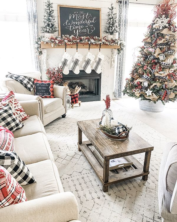 32 Stylish And Cozy Christmas Living Room Decor Ideas