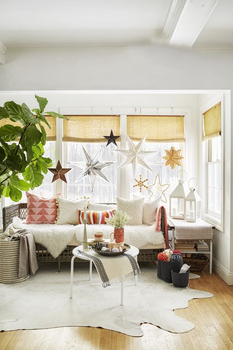 christmas living room decor ideas - starry sky