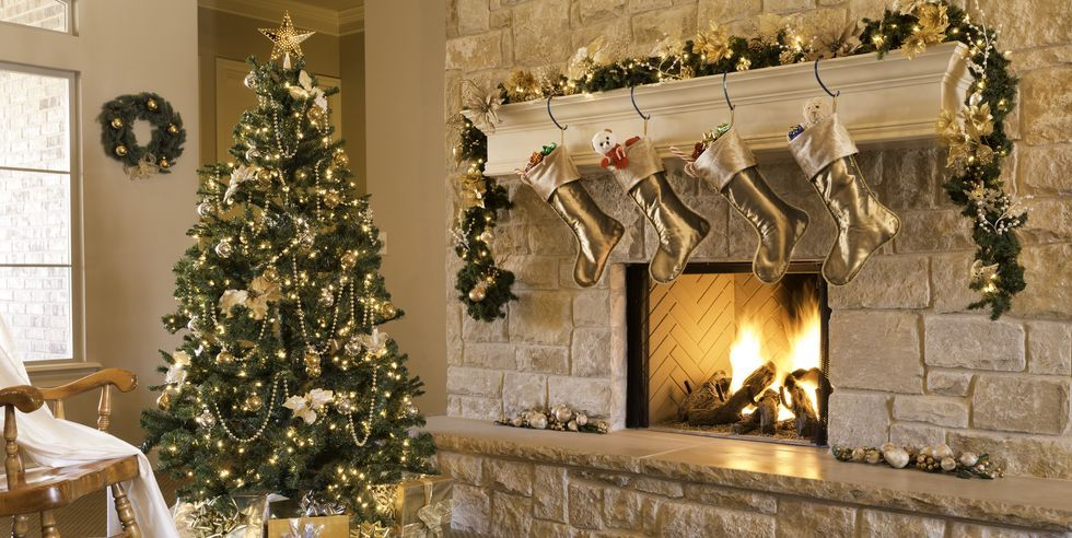 Christmas Mantel Ideas 2020 40 Christmas Mantel Decor Ideas   Fireplace Holiday Decorations