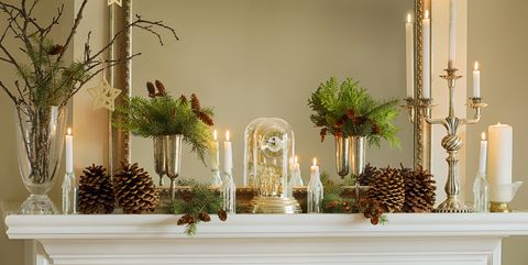 mantelpiece with christmas decor - Fireplace Christmas Decorations