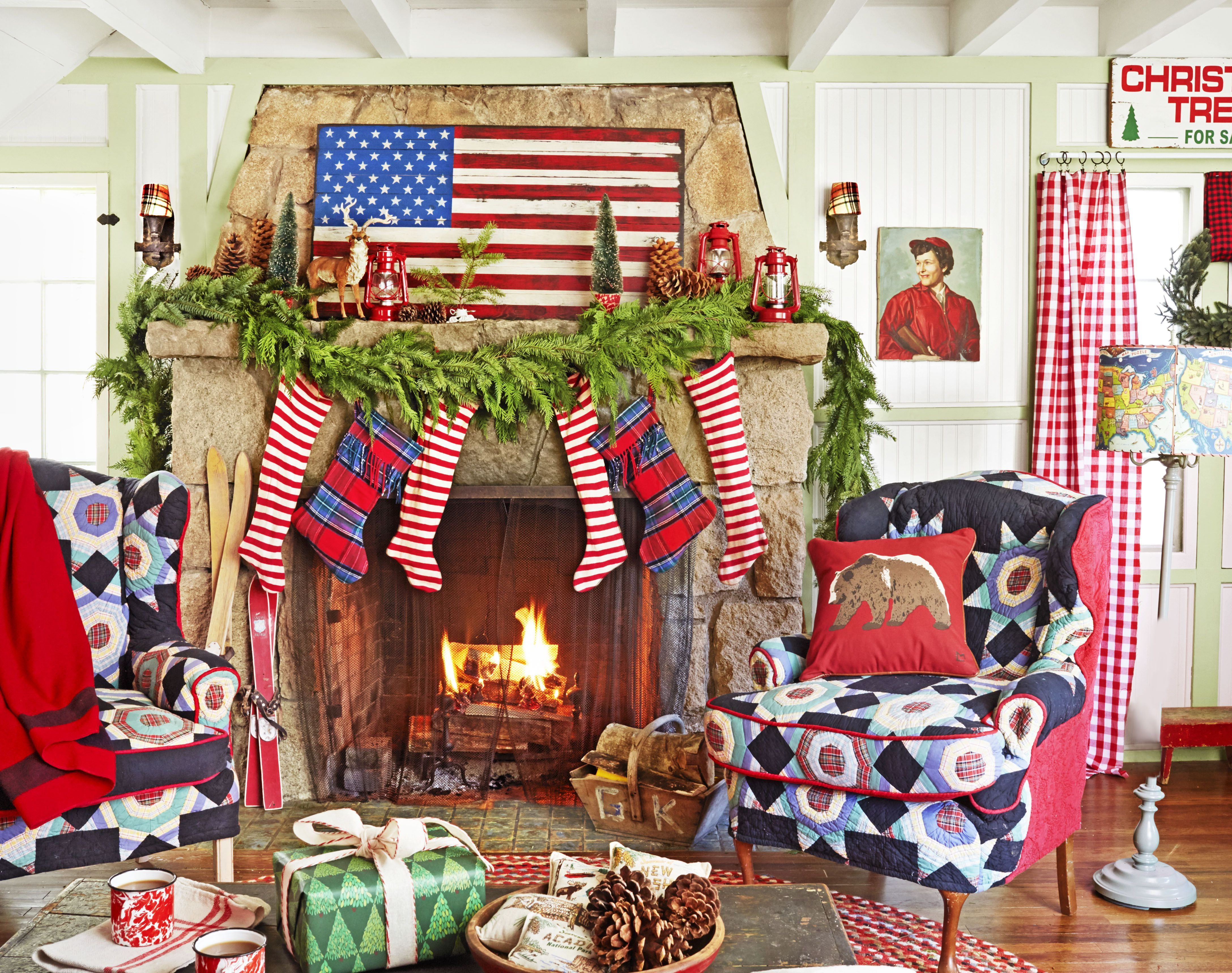 50 christmas mantel decorations ideas for holiday fireplace mantel decorating - Decorating A Mantel For Christmas