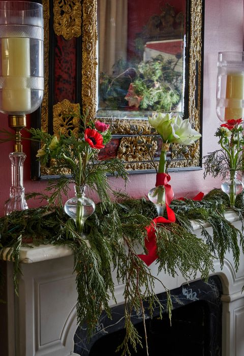 christmas party ideas alessandra branca amaryllis mantel decoration