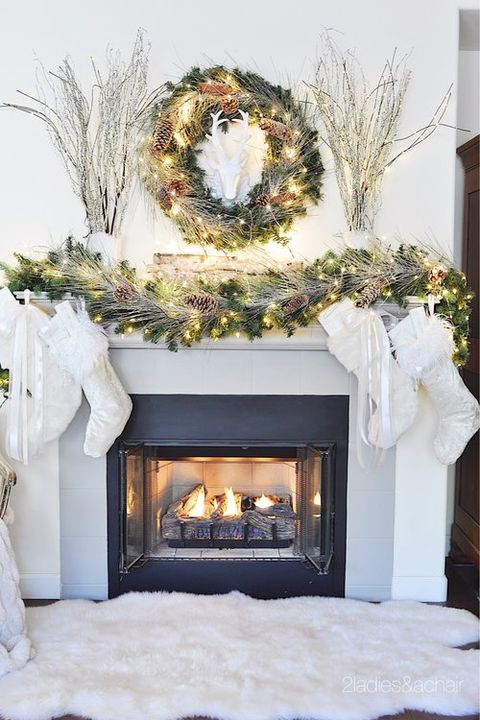 62 christmas mantel decorations ideas for holiday - Modern christmas mantel ideas ...