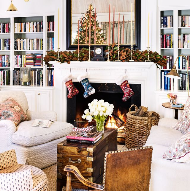Pictures Of Fireplaces Decorated For Christmas  from hips.hearstapps.com