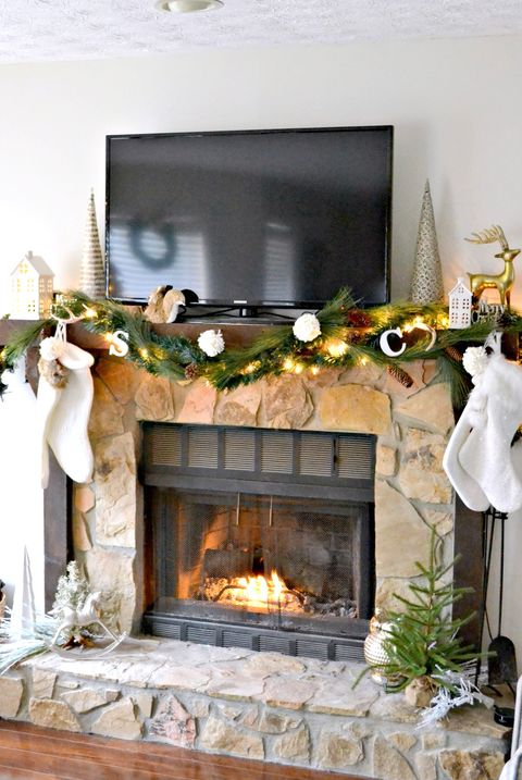 20 Festive Christmas Mantel Ideas How To Style A Holiday Mantel