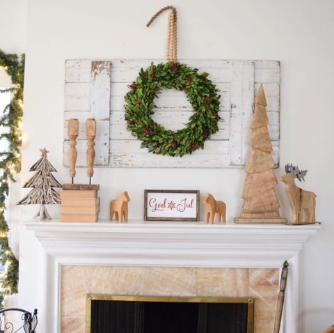 Christmas Hearth Decorations.Christmas Mantel Ideas How To Style A Holiday Mantel