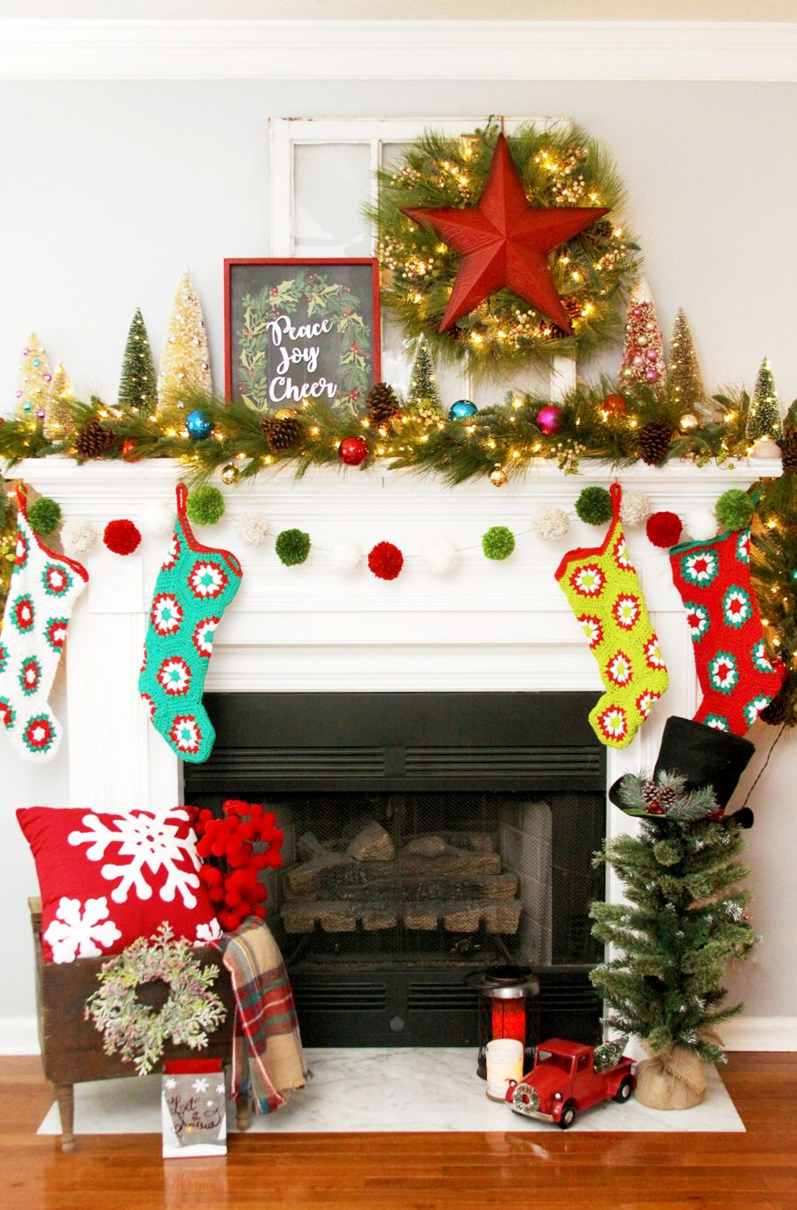 30 Christmas Mantel Decor Ideas to Make Your Home Merry and Bright