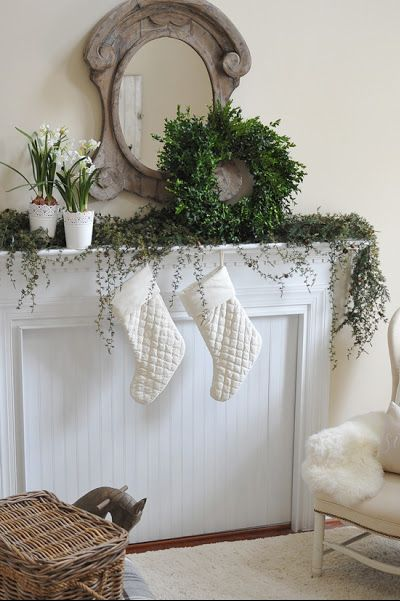 christmas mantle ideas - growing greens