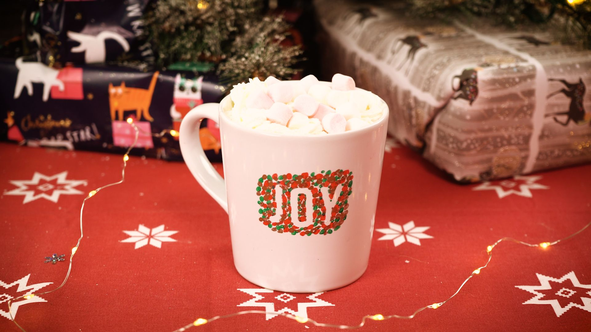 How To Design Your Own Christmas Mugs [VIDEO] – Easy Christmas Crafts