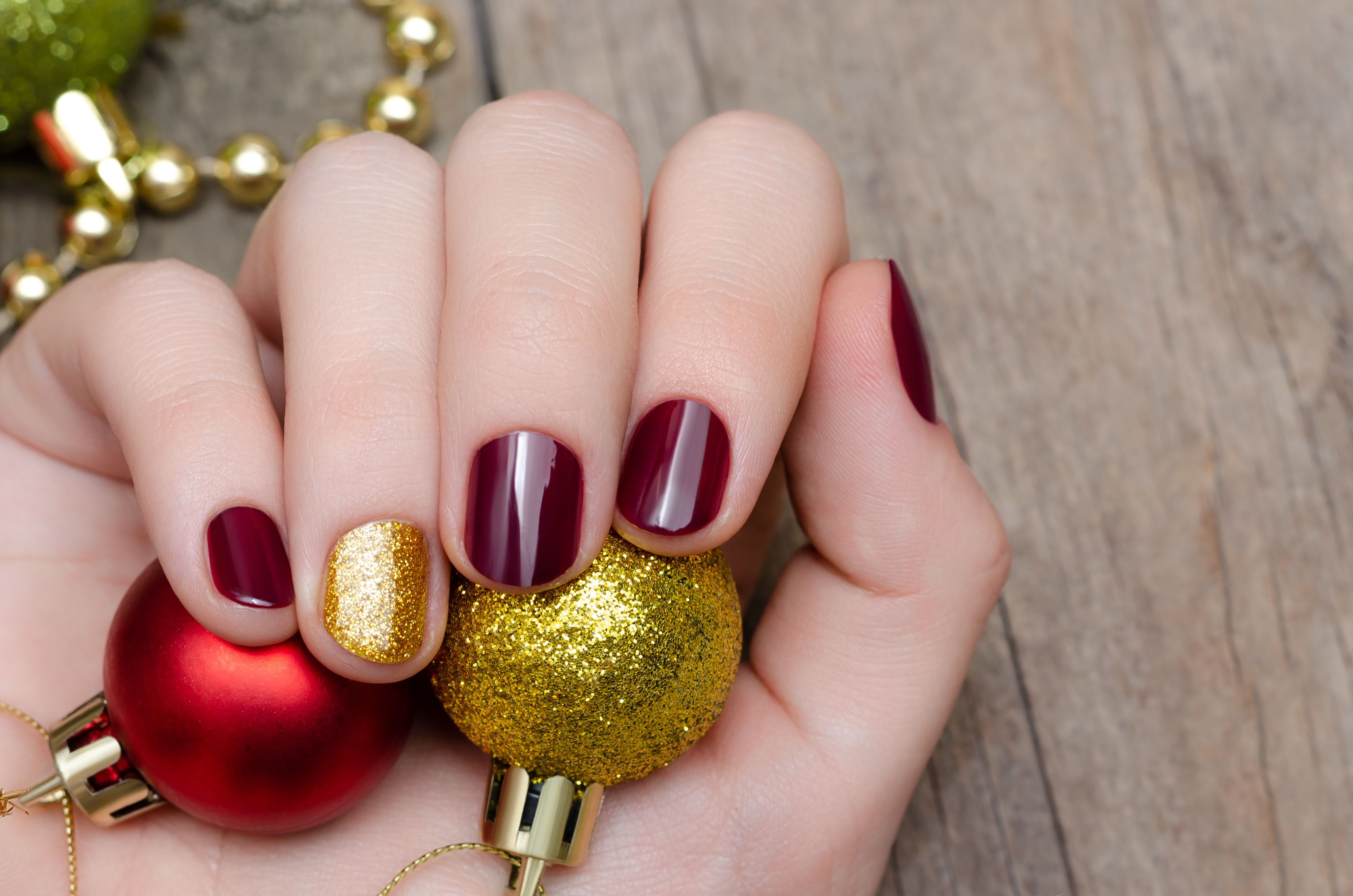 30 Christmas Nail Art Design Ideas 2020 Easy Holiday Manicures