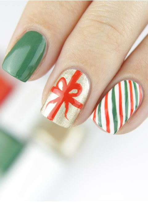 christmas present nail art - 22 Best Christmas Nail Art Design Ideas 2018 - Easy Holiday Nails