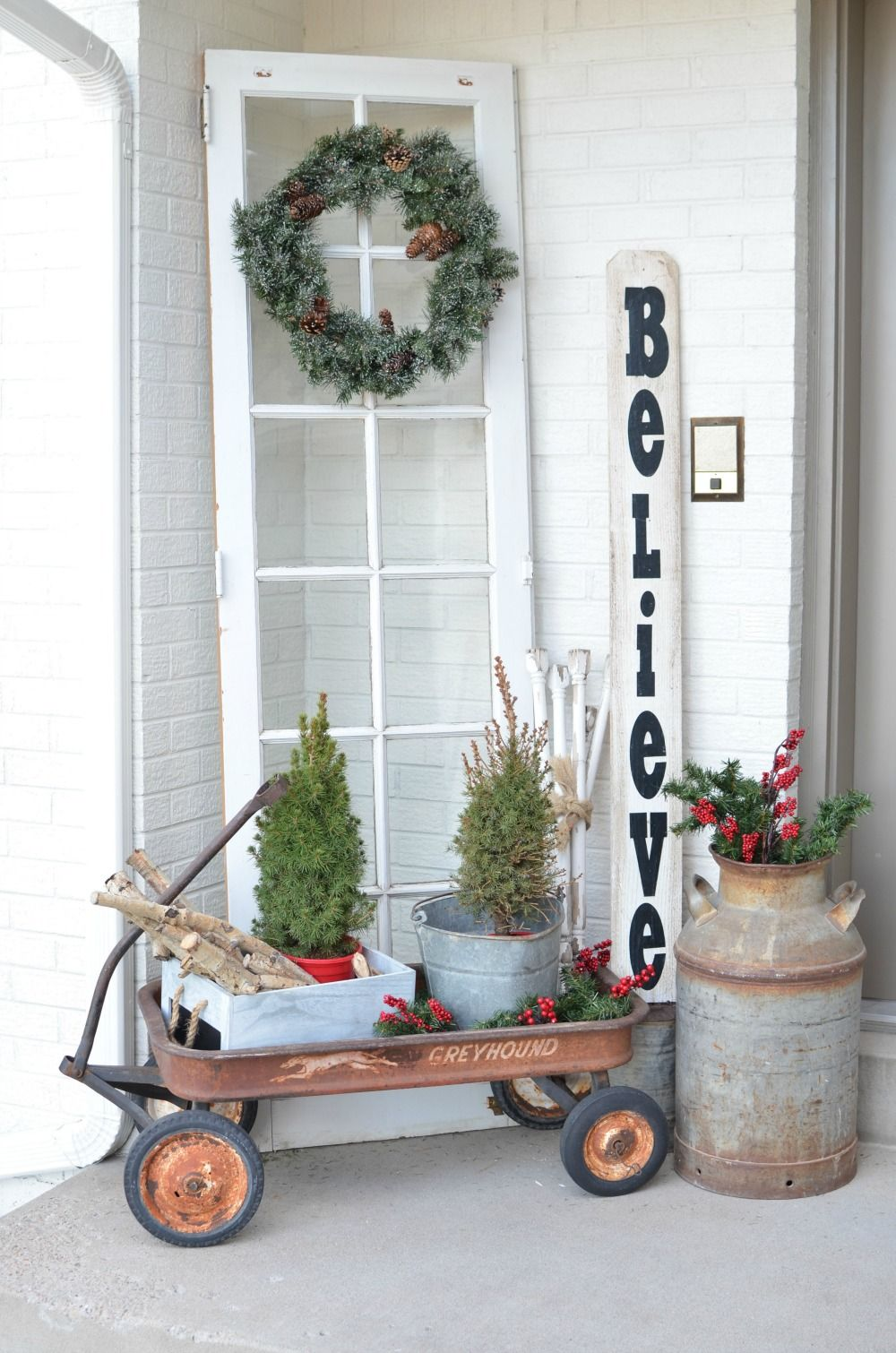 50 Best Outdoor Christmas Decorations - Christmas Yard Decorating Ideas