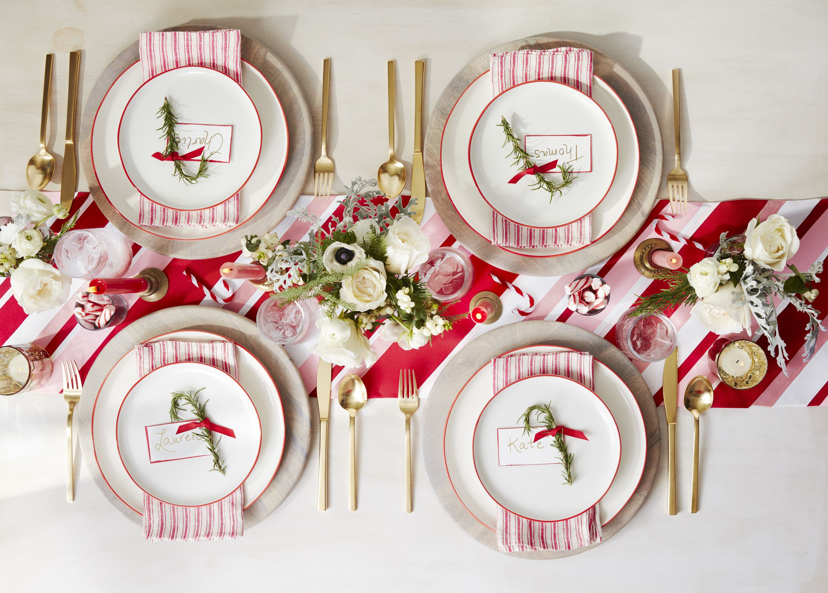 20 Fun Family Christmas Party Ideas Holiday Party Food And Decor Tips