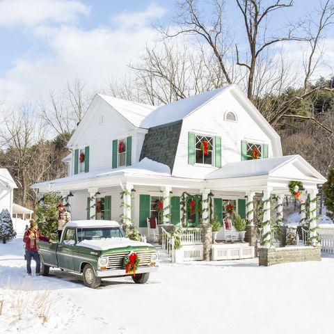 country christmas farmhouse