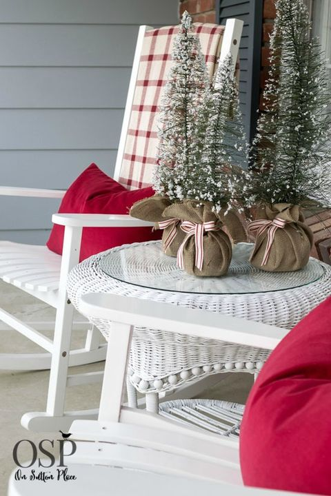 20 Best Christmas Porch Decorations 2019 Outdoor Christmas Decor