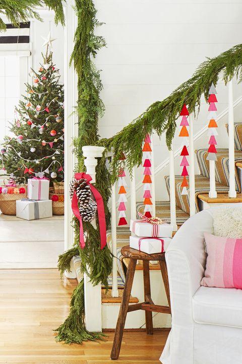 christmas stiarcase decorations - garland