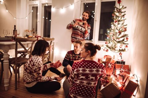 30 Best Fun Christmas Games Diy Family Holiday Game Ideas