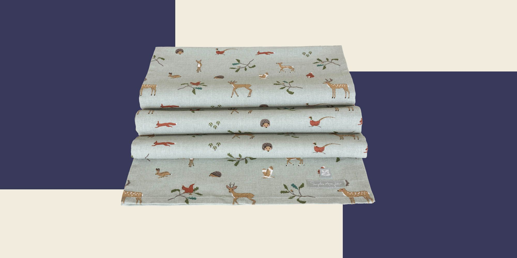 12 must-have Christmas table runners