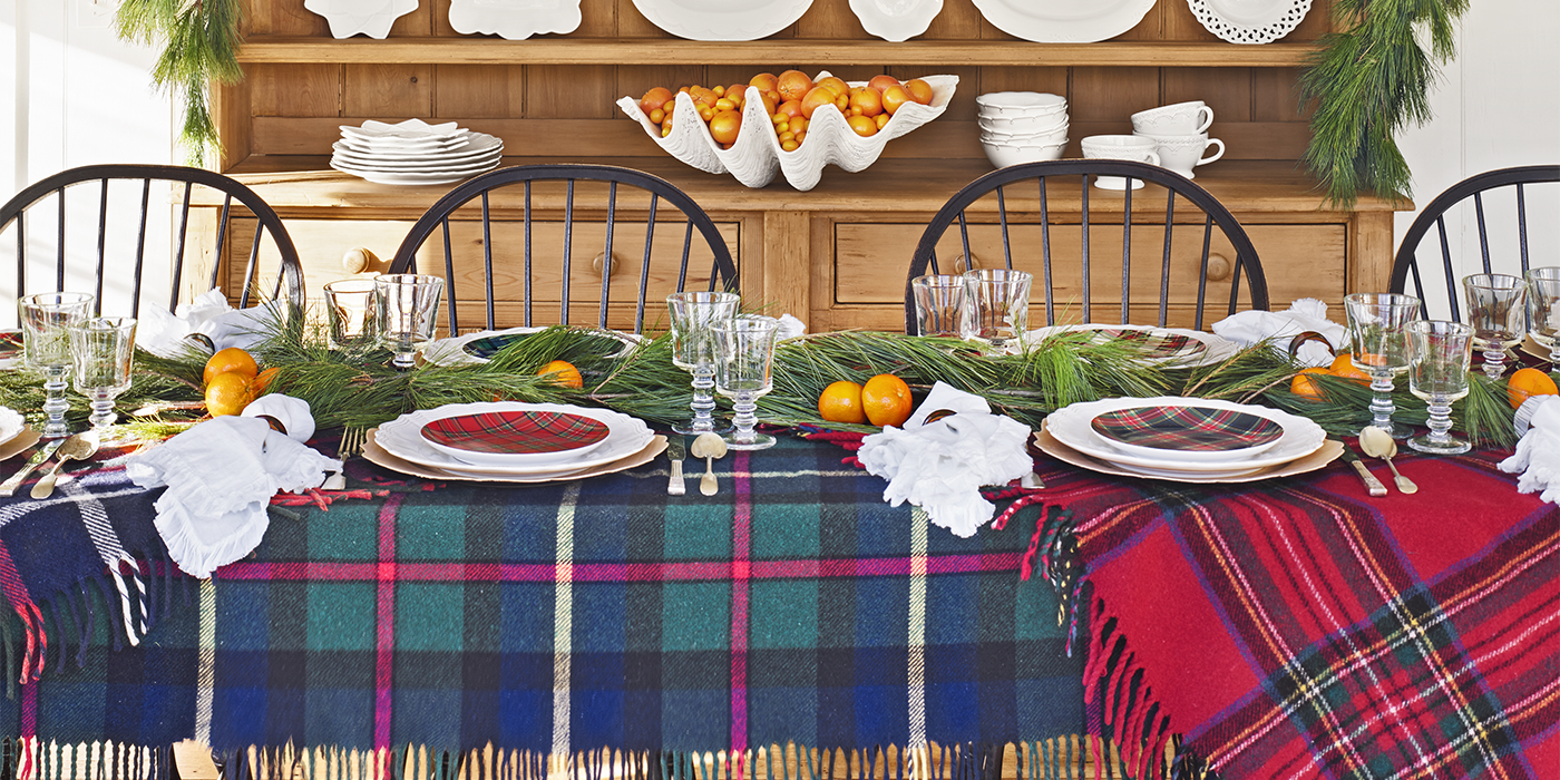 35 Best Christmas Table Settings Decorations