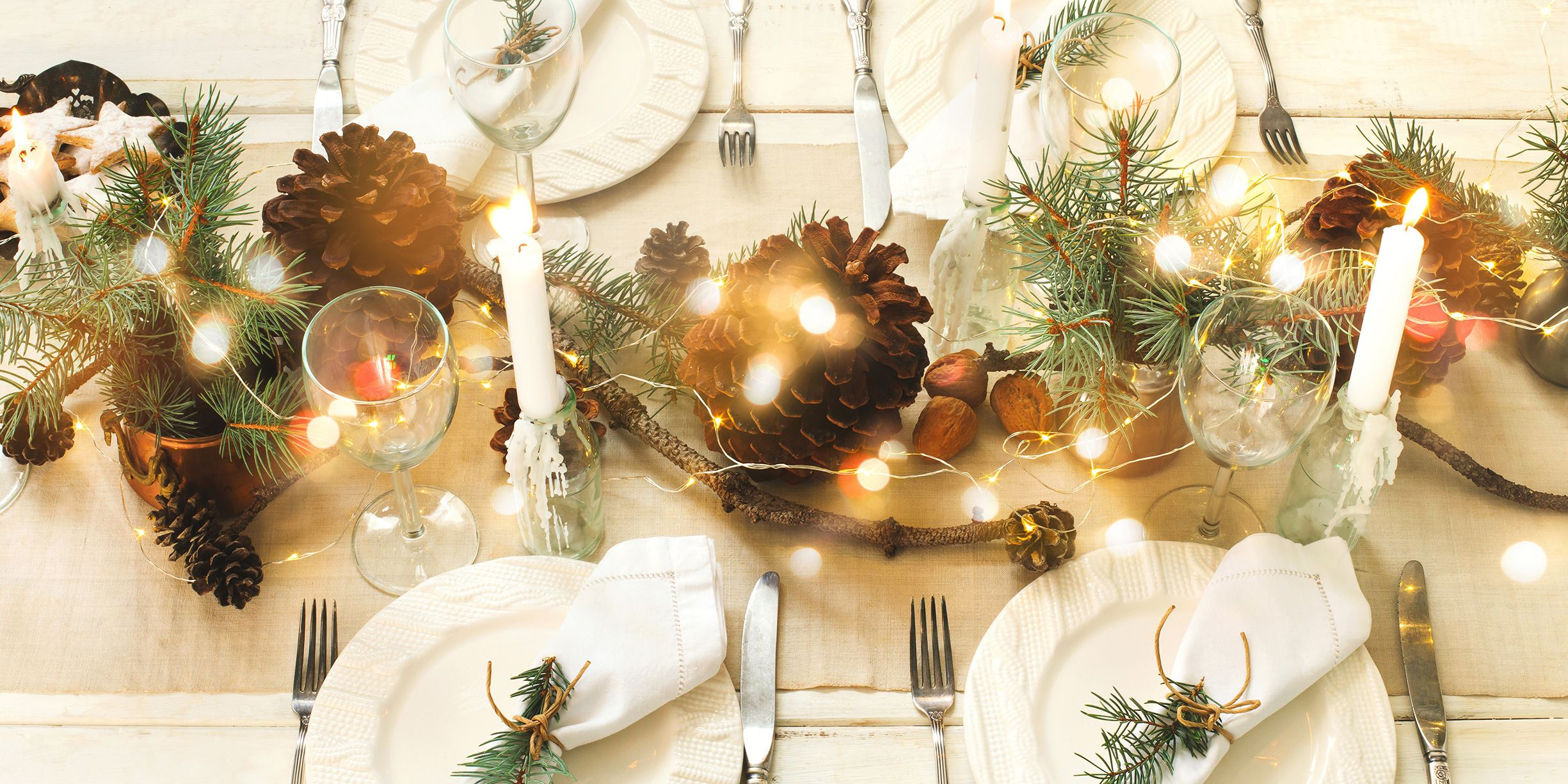 These Christmas Table & Centerpiece Ideas Will Make Your Holiday Meal Even More Special