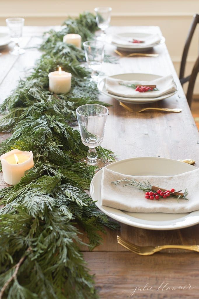 christmas table settings centerpieces garland