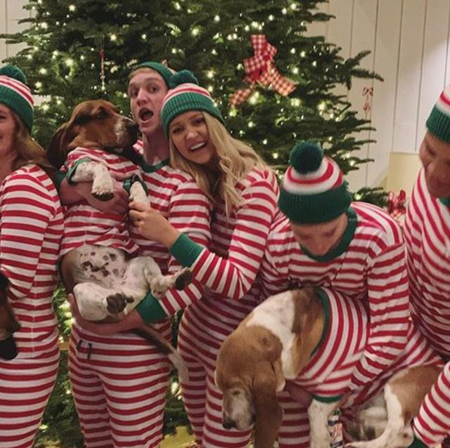 ree drummond's kids dressed in matching christmas pajamas