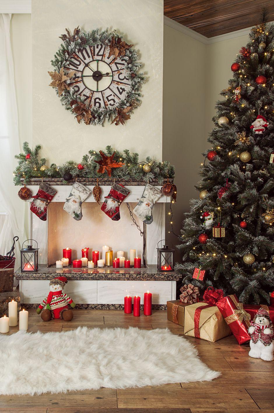 Christmas Bible Verses Christmas Tree And Presents At Home