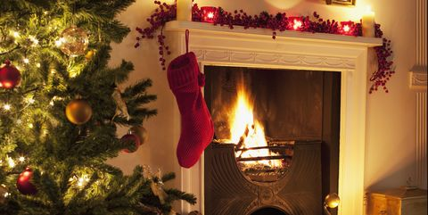 Pleasant 25 Christmas Mantel Decor Ideas Fireplace Holiday Decorations Home Interior And Landscaping Mentranervesignezvosmurscom