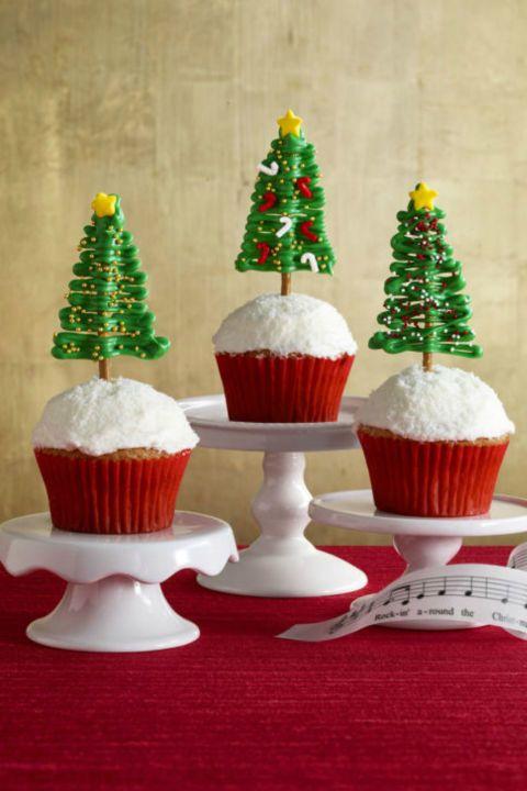 rockin' around the christmas tree cupcakes