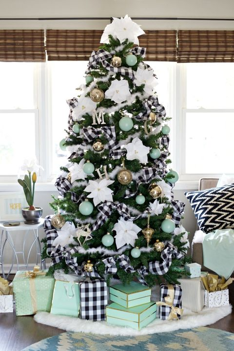 buffalo check christmas tree decorating idea - Christmas Tree Decorating Ensemble Kits
