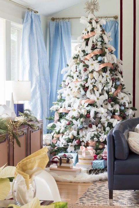 christmas tree decorating ideas feathers - White Christmas Tree Decoration Ideas