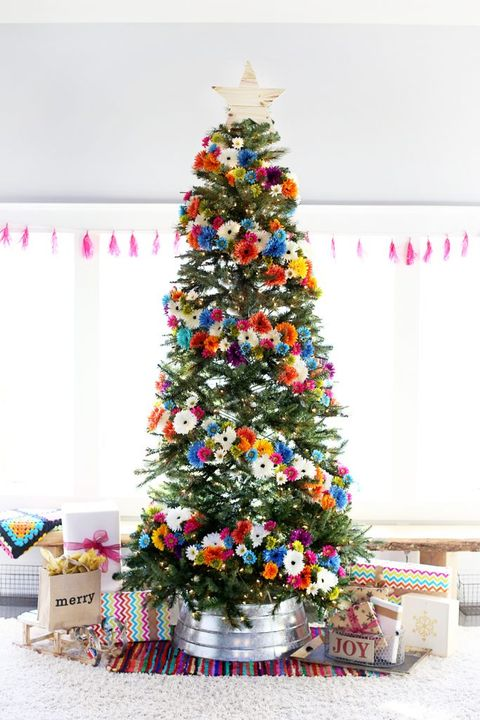 christmas tree decorating ideas flowers - Colorful Christmas Tree Decorations