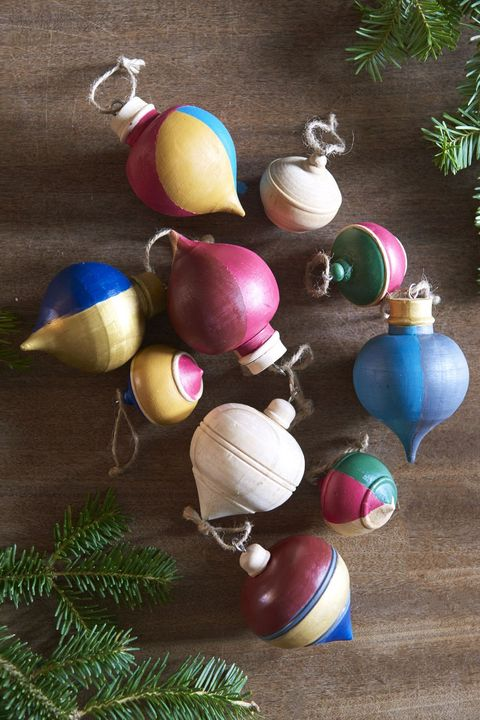 Christmas Tree Decoration Ideas - Colorblocked Ornament