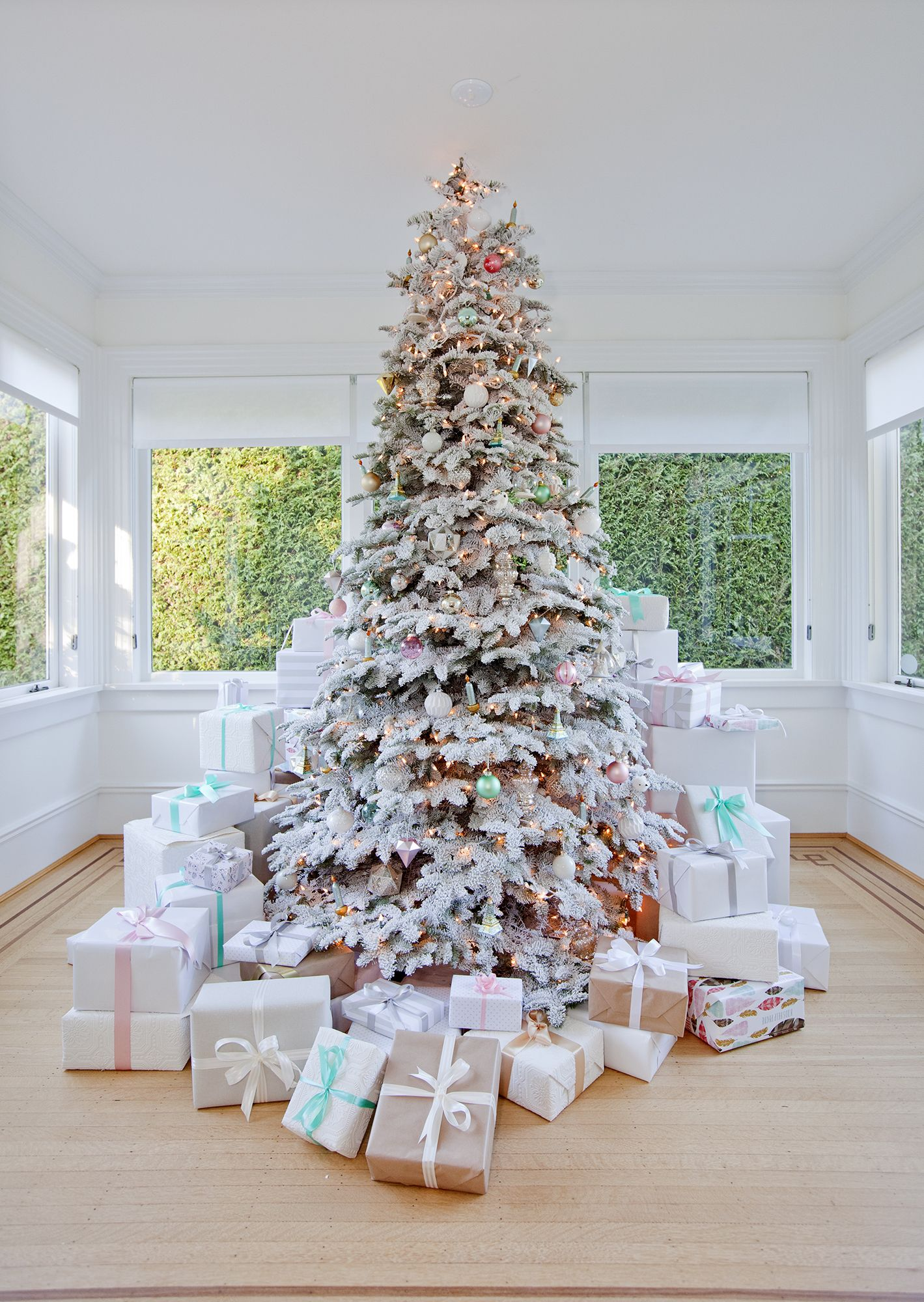 stunning christmas tree ideas 2018 best christmas tree decorating tips - Decorating With Silver And Gold For Christmas