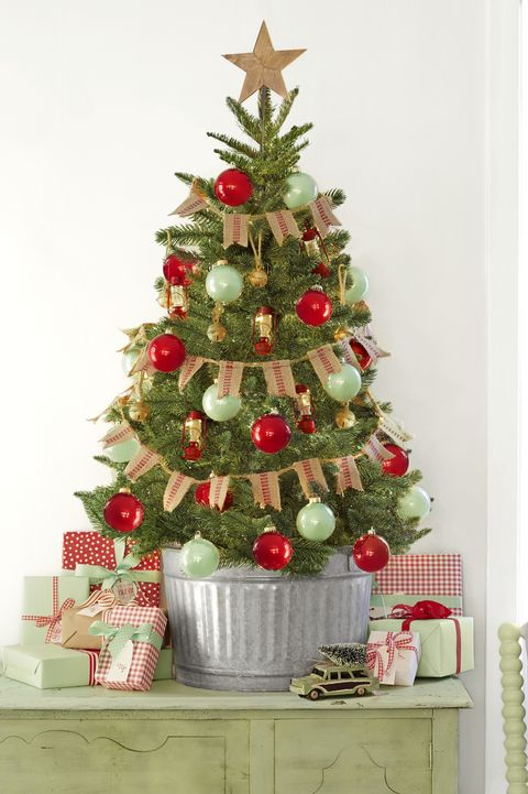 Best Christmas Tree Ribbon Ideas - Ways
