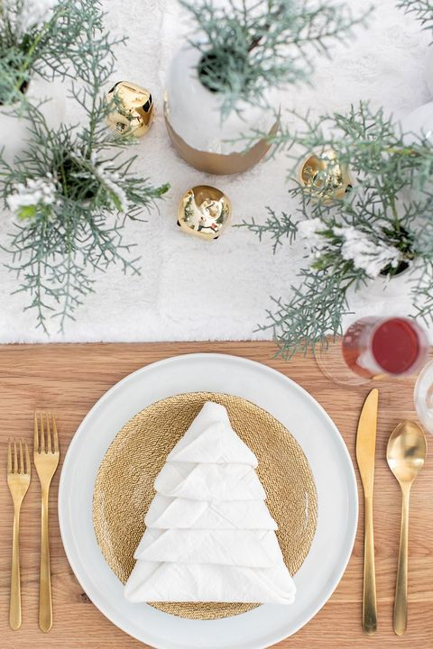 Christmas Table Decoration Ideas.50 Best Christmas Table Settings Decorations And