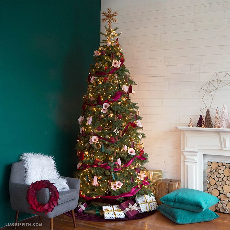 dc2eca516 50 Christmas Tree Decoration Ideas - Pictures of Beautiful Christmas Trees