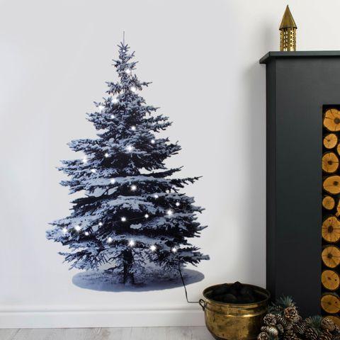 3 Easy Christmas Wall Decor Ideas
