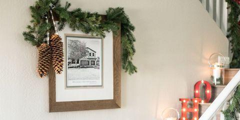 22 Christmas Wall Decorating Ideas - Elegant Holiday Wall Decor