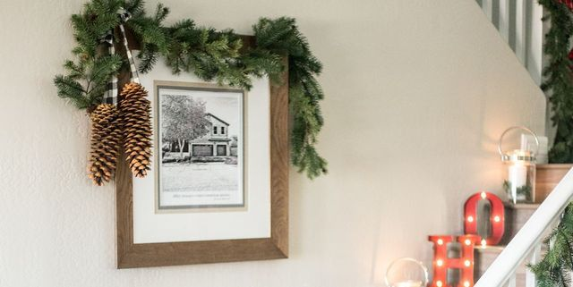 22 Christmas Wall Decorating Ideas Elegant Holiday Wall Decor