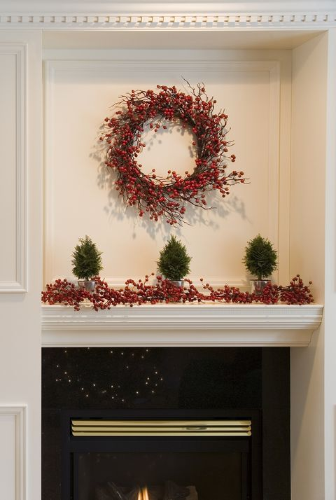 home decorated for christmas - Christmas Wall Decor