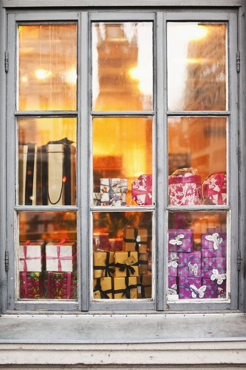 Window with packages